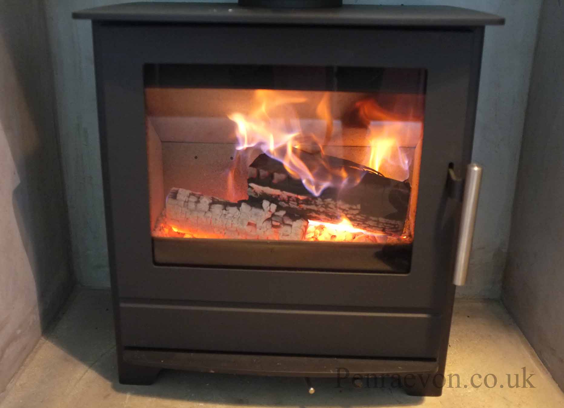 how to light a woodburning stove penraevon. Black Bedroom Furniture Sets. Home Design Ideas