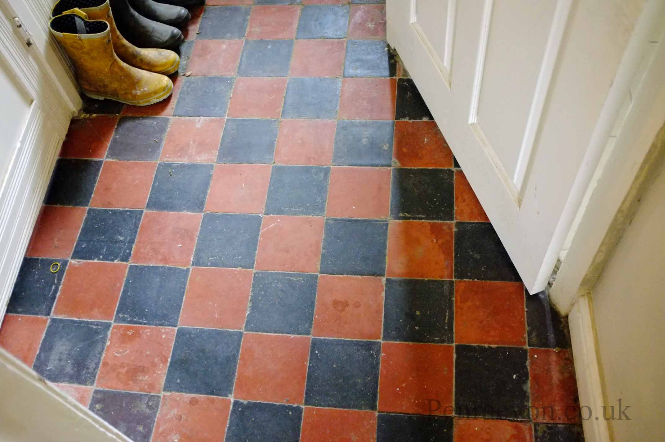 Restoring quarry tiles penraevon when it came to the dining room things werent so simple the dining room was difficult lifting the carpet was easy but the tiles were in a very bad state dailygadgetfo Choice Image