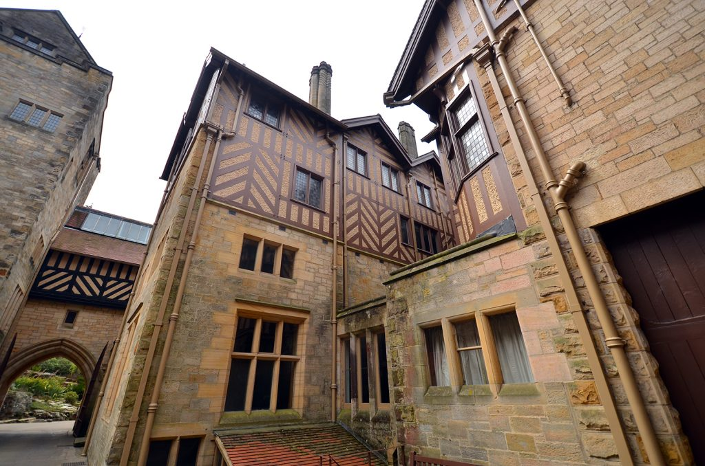 cragside_courtyard
